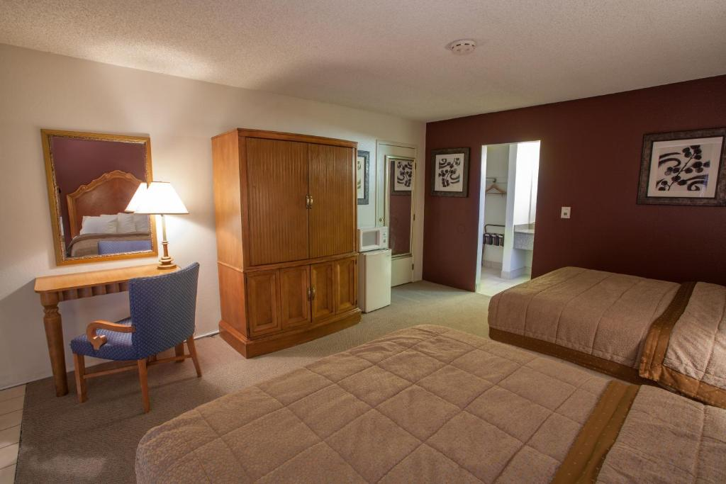 Book Now Aviation Inn (Las Vegas, United States). Rooms Available for all budgets. Offering an outdoor pool Aviation Inn is located in Las Vegas. Free WiFi access is available in each guest room. The Las Vegas Convention Center is 14.9 km away.A TV and a sea