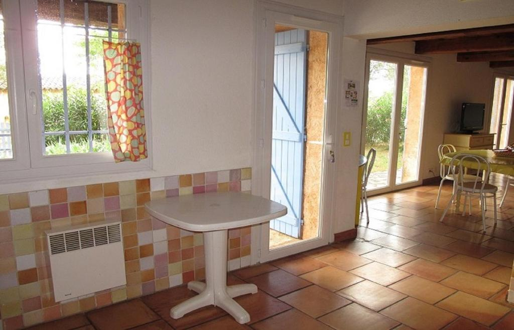 Rosemary Two-Bedroom House Les Lavandes