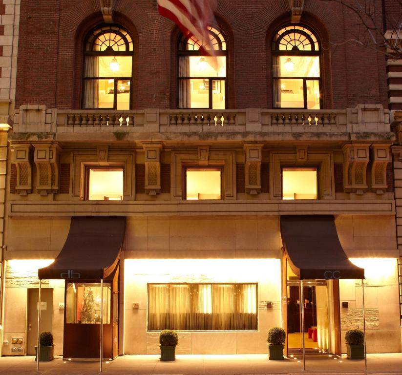 Book Now City Club Hotel (New York City, United States). Rooms Available for all budgets. Less than 3 blocks from the lights of Times Square and Broadway this downtown Manhattan hotel features a modern restaurant. Guests can enjoy books and free Wi-Fi in each room.