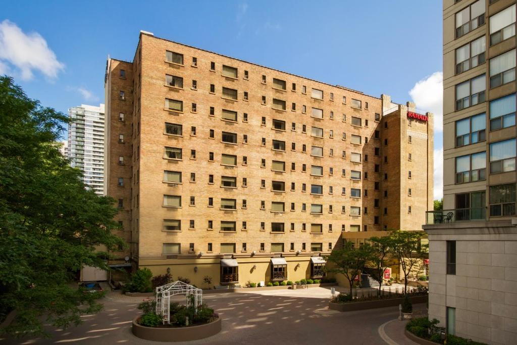 Book Now Ramada Plaza Toronto Downtown (Toronto, Canada). Rooms Available for all budgets. Nearby shopping and events plus on-site dining and a heated indoor pool get the party started at the non-smoking Ramada Plaza Toronto Downtown. The 10-story Ramada Plaza furni