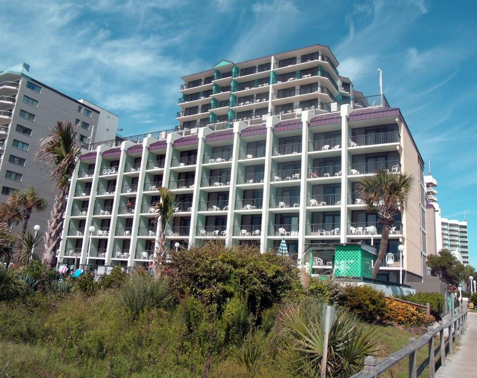 Book Now Grande Shores Ocean Resorts Condominiums (Myrtle Beach, United States). Rooms Available for all budgets. These South Carolina Grande Shores Ocean Resorts Condominiums boasts 2 outdoor pools 2 lazy rivers and 4 outdoor hot tubs as well as 1 indoor pool and 1 indoor hot tub. Tanger