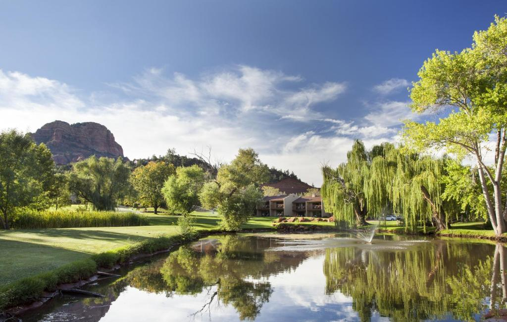 Book Now Poco Diablo Resort (Sedona, United States). Rooms Available for all budgets. Breathtaking Red Rock vistas complemented by golf swimming and a pampering spa are a few of the perks that our guests enjoy at the non-smoking Poco Diablo Resort an upscale ho