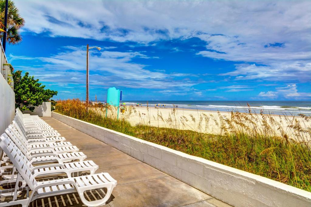 Book Now Bahama House Daytona Beach United States Rooms Available For All