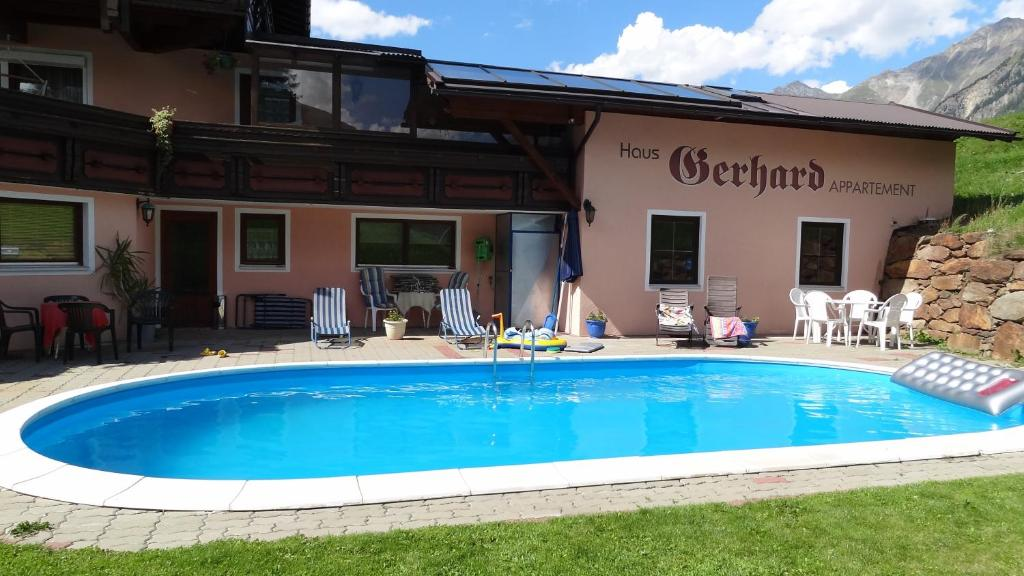 Swimming pool Haus Florian