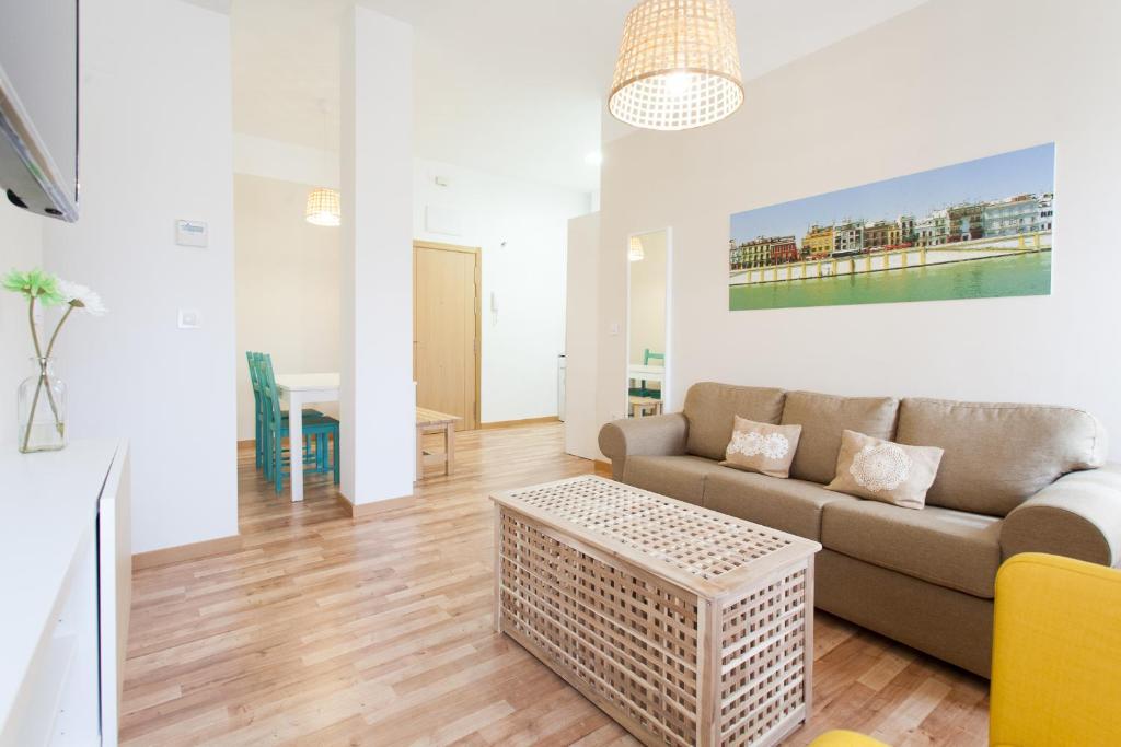 Best Price On Apartamentos Diaber Larana In Seville Reviews