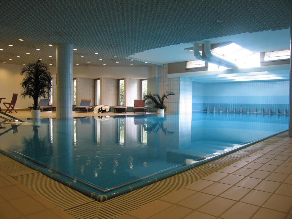 Swimming pool Serviced City Apartments