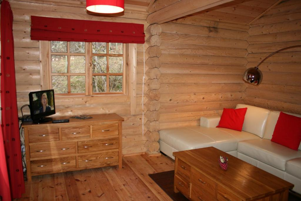 BCC Loch Ness Log Cabins