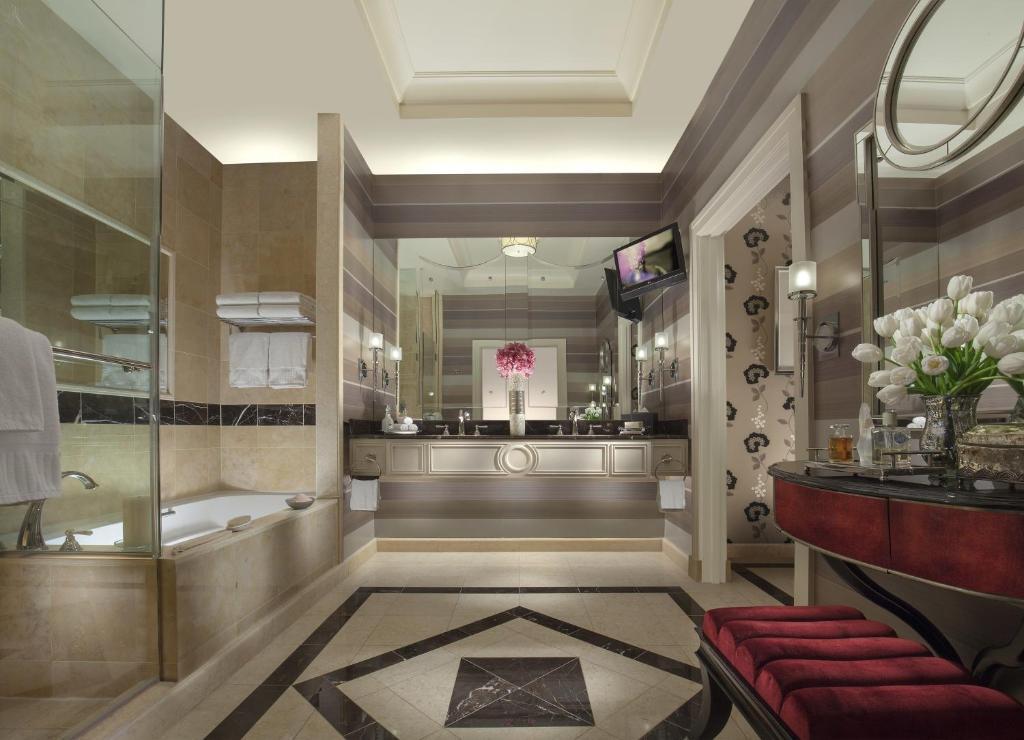 THE PALAZZO RESORT HOTEL & CASINO - Las Vegas NV 3325 Las ...