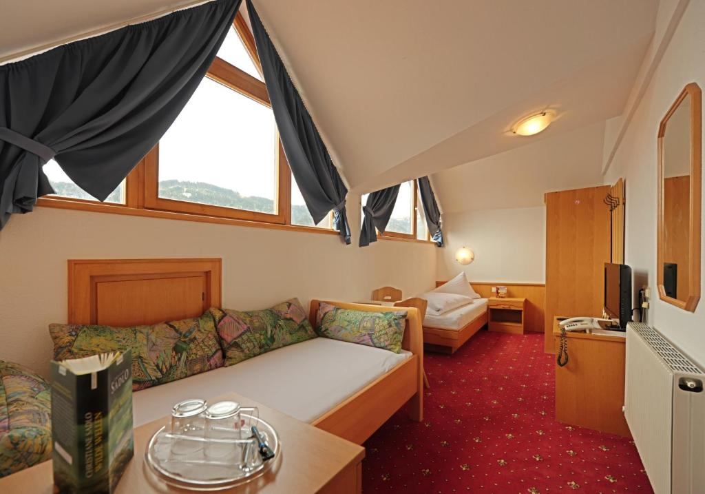 Single Room - Guestroom Hotel Garni Hubertus