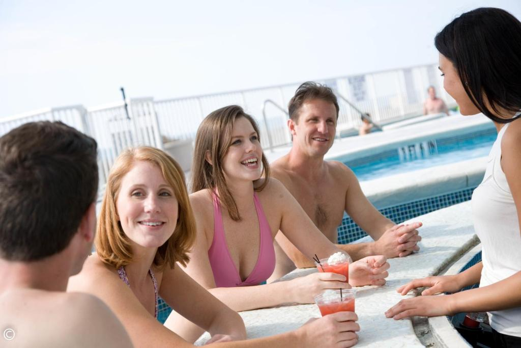Book Now Hotel Blue (Myrtle Beach, United States). Rooms Available for all budgets. Featuring a beachfront pool swim-up bar and spacious sun terrace this hotel is located on the shores of the Atlantic Ocean just 1 mile from central Myrtle Beach.A private balc