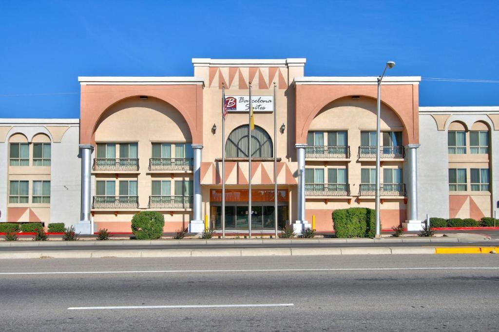 Barcelona Suites Albuquerque photo