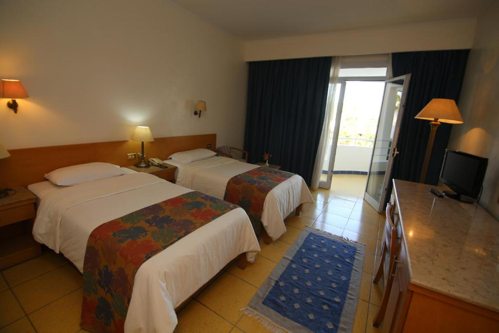 Deluxe Single Room with Pool View - Guestroom Sharm Reef Resort