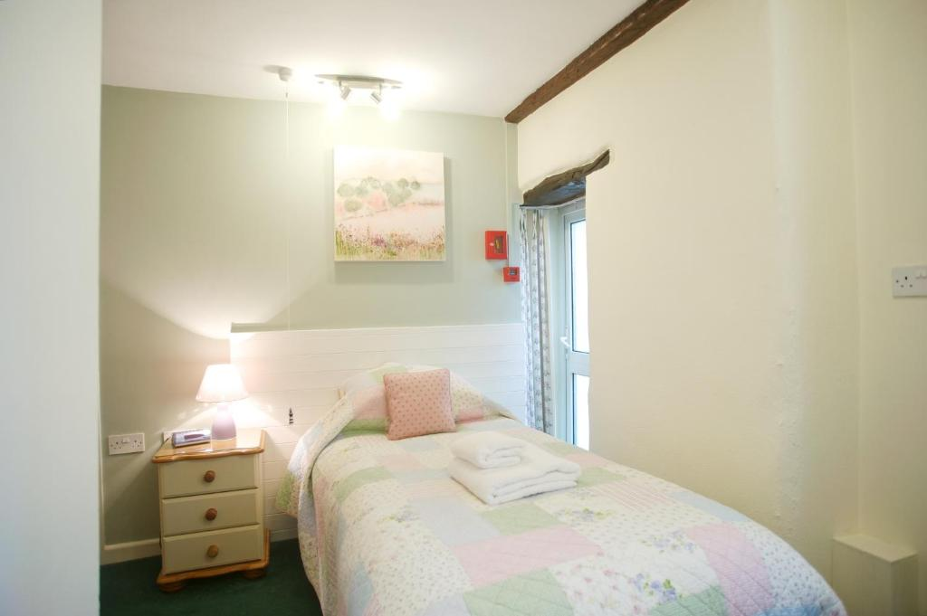 Guestroom The Old Bridge House