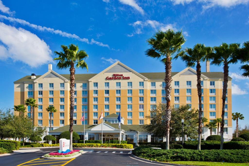 Book Now Hilton Garden Inn Orlando Seaworld International Center (Orlando, United States). Rooms Available for all budgets. Spacious rooms with free Wi-Fi and flat-panel TVs complimentary parking and no-fee shuttles to all three theme parks hit the mark with our guests at Hilton Garden Inn Orlando