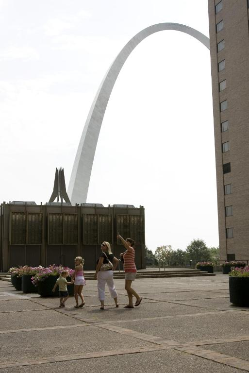 Book Now City Place Downtown Hotel St. Louis (Saint Louis, United States). Rooms Available for all budgets. At theCity Place Downtown Hotel St. Loui you can take a postcard picture of the Gateway Arch from the rooftop patio watch a Cardinals' game from your window and relish the plu
