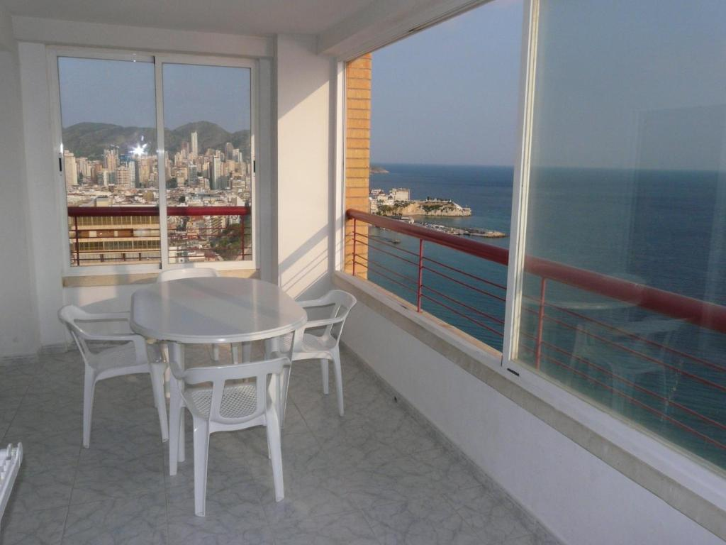 Situated Opposite Benidorm S Poniente Beach The Beni Apartments