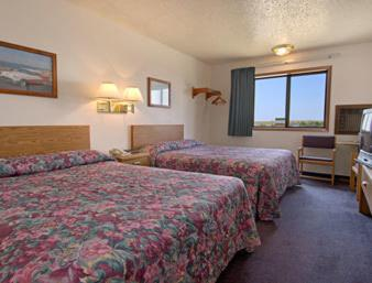 Book Now Super 8 Murdo (Murdo, United States). Rooms Available for all budgets. Super 8 Murdo offers accommodation in Murdo. Guests can enjoy the on-site bar. Free private parking is available on site.Each room is equipped with a private bathroom. Super 8