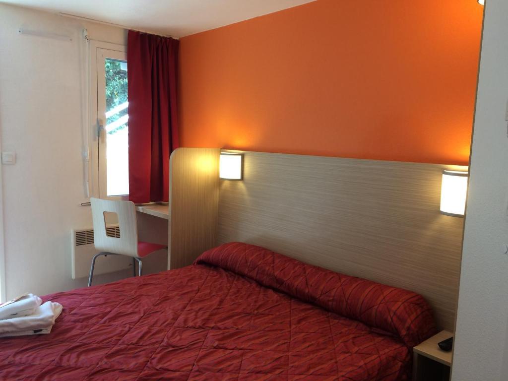 premiere classe marseille la valentine marseille 11 book your hotel with viamichelin. Black Bedroom Furniture Sets. Home Design Ideas