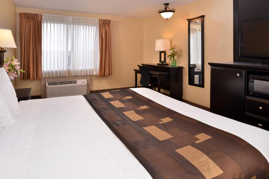 Book Now Kelly Inn Billings (Billings, United States). Rooms Available for all budgets. Free Wi-Fi free breakfast an indoor pool and well-appointed rooms are features at non-smoking Kelly Inn Billings right next door to Big Splash Water Park and four miles from Z
