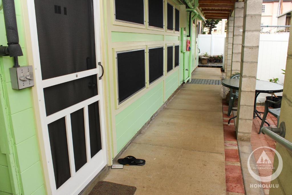 Best Price On Hi Honolulu University Hostel In Oahu Hawaii Reviews