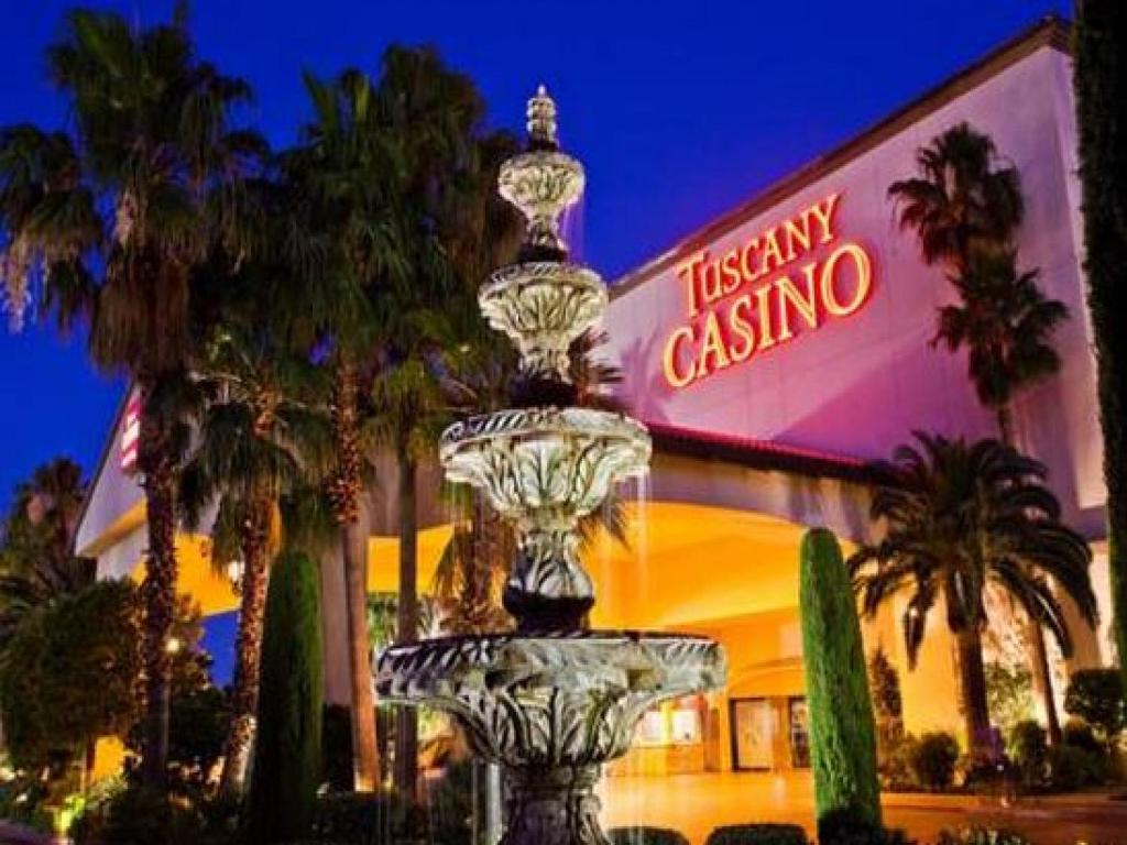 Book Now Tuscany Suites & Casino (Las Vegas, United States). Rooms Available for all budgets. Our guests learn the true definition of la dolce vita at the all-suite Italian-themed Tuscany Suites & Casino where the service is always friendly and the cappuccinos are extr