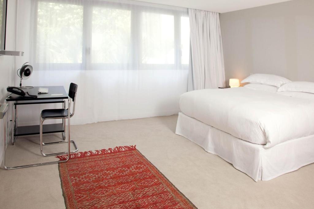 la maison champs elysees paris 8 rue jean goujon 75008. Black Bedroom Furniture Sets. Home Design Ideas