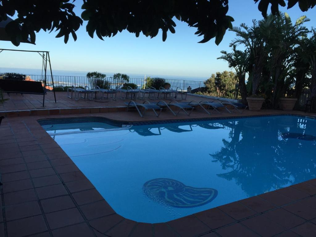 Swimming pool The Bay Atlantic Guest House