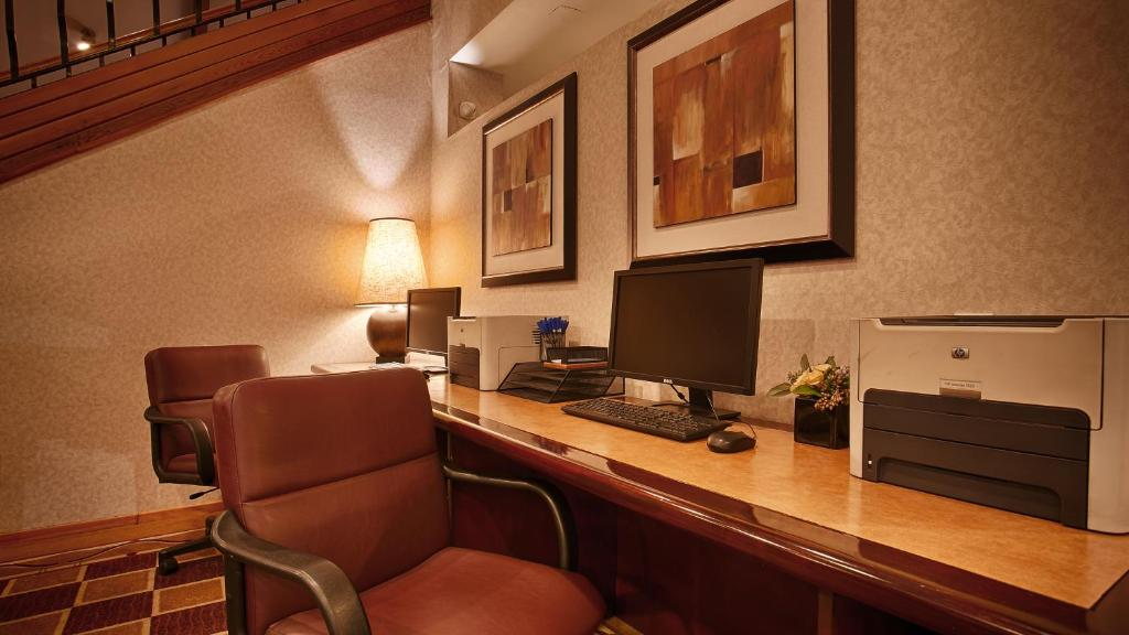 Book Now Best Western Plus Executive Inn (Rowland Heights, United States). Rooms Available for all budgets. Free breakfast non-smoking rooms with free Wi-Fi and easy access to the freeway make Best Western Executive Inn an attractive choice for our guests. The 135 non-smoking rooms