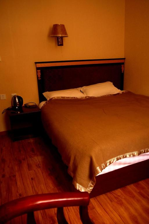 Single Room with Private Bathroom Garze Tagong Grassland Hotel