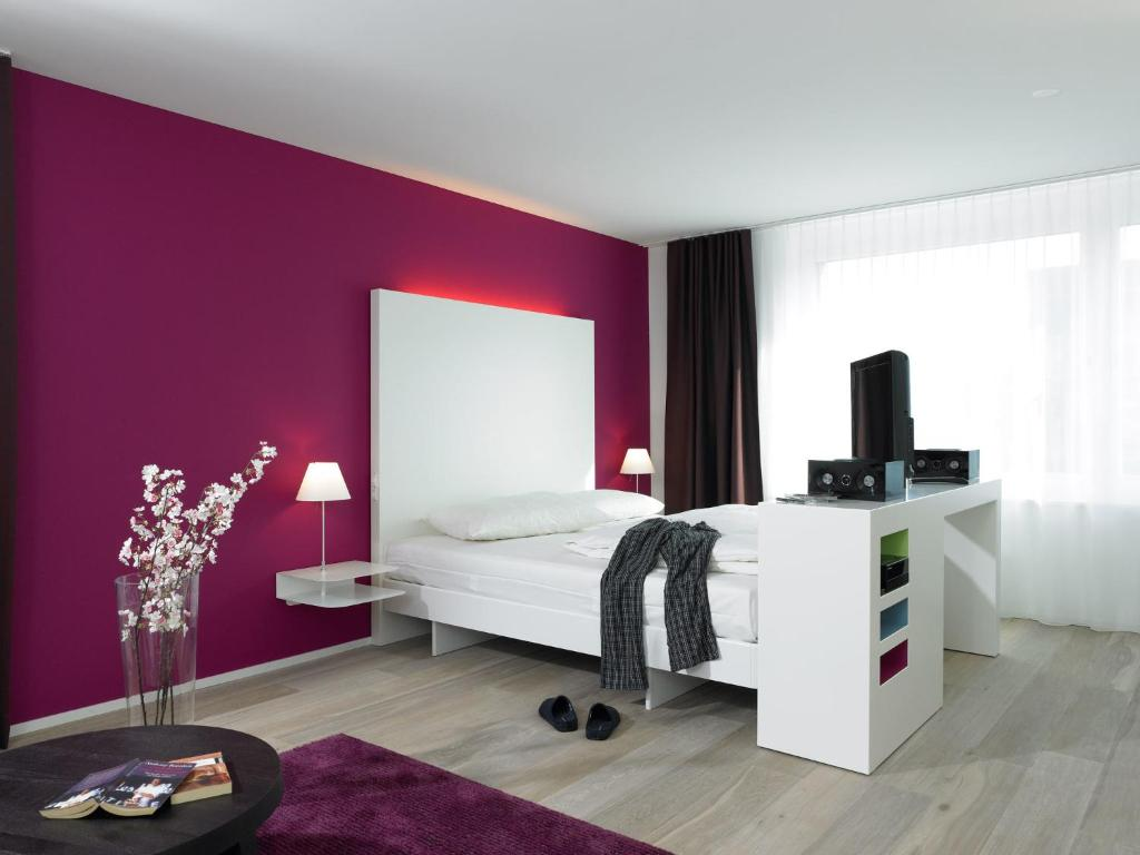 Deluxe Studio - Bed Serviced City Apartments
