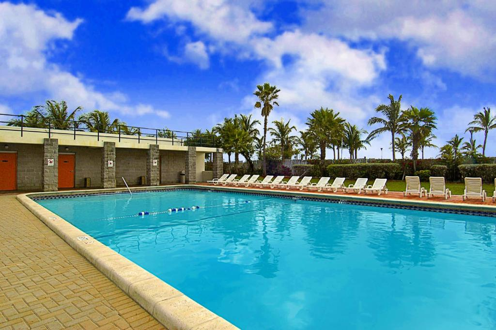 Book Now Seagull Hotel Miami Beach (Miami Beach, United States). Rooms Available for all budgets. A beachfront location outdoor pool and value-priced rooms with free Wi-Fi bring our guests to the non-smoking Miami South Beach Days Inn. Situated on eight floors the hotel's