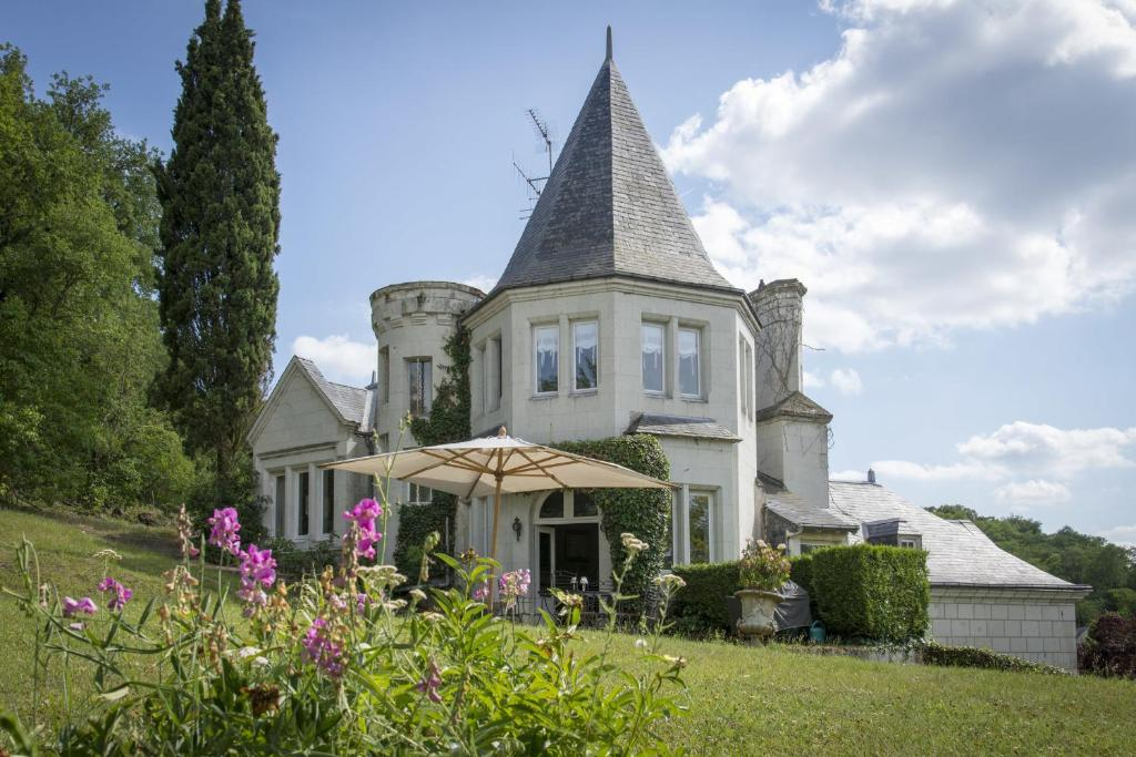 Chambres D Hotes Manoir De Montecler Gennes France Photos Room