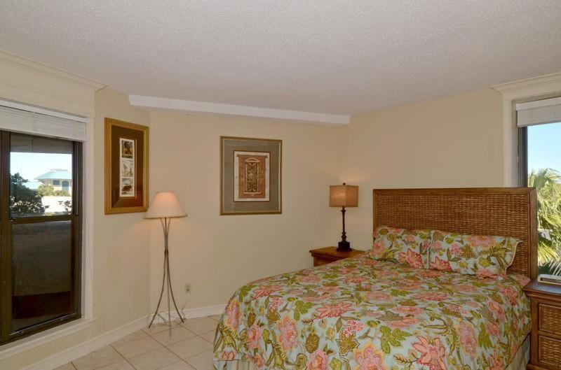 Two-Bedroom Apartment - Guestroom Beachside One 4029 at Sandestin