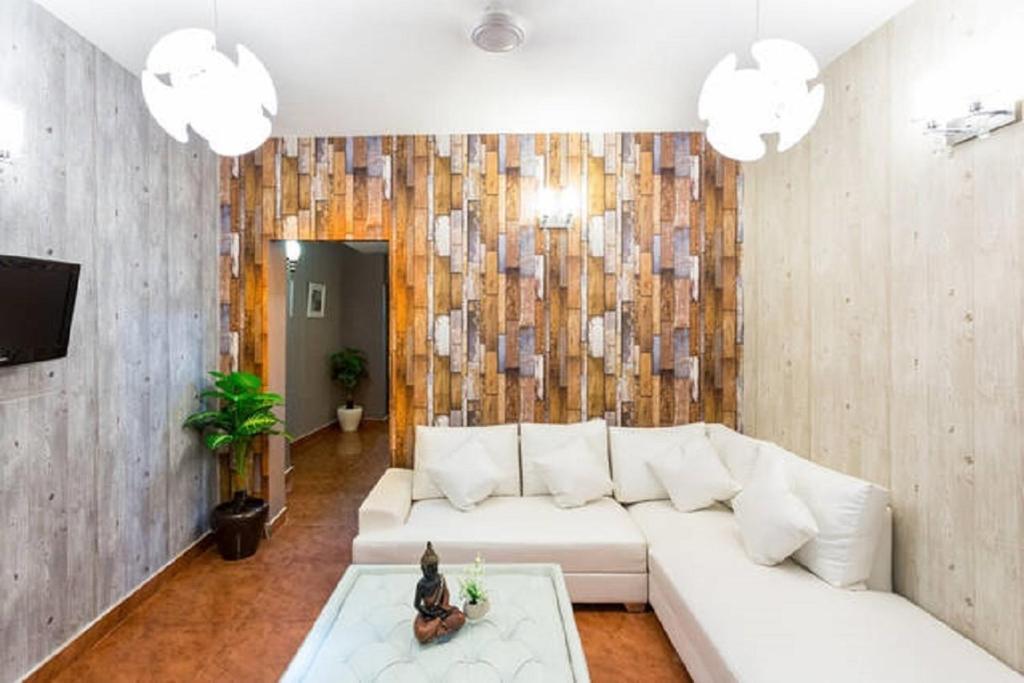 2 Bedroom Apartment Hauz Khas Village