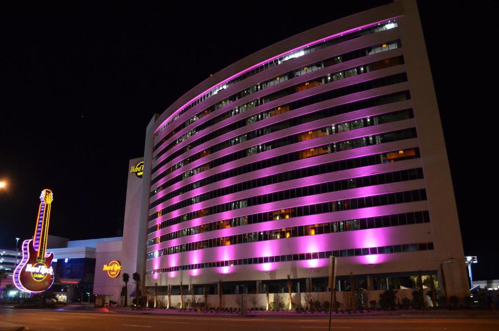 Book Now Hard Rock Hotel & Casino Biloxi (Biloxi, United States). Rooms Available for all budgets. Located on the shores of the Gulf of Mexico this hotel features an outdoor swimming pool and free Wi-Fi. Guests have access to the casino and the Aveda Concept Spa and Salon b