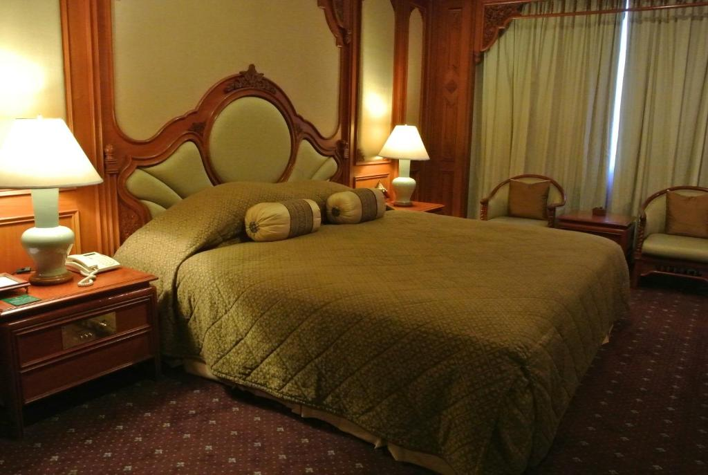 Chiangmai Plaza Hotel Catdays Net