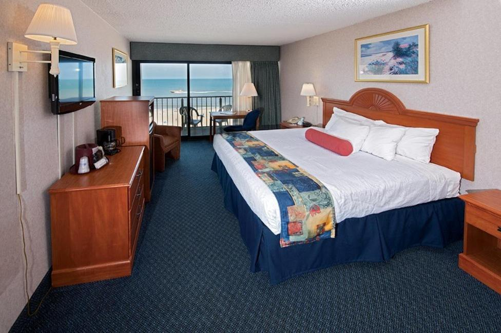 Book Now Best Western Plus Oceanfront Virginia Beach (Virginia Beach, United States). Rooms Available for all budgets. An oceanfront location easy access to the Virginia Beach boardwalk and free parking earn the non-smoking Best Western Plus Oceanfront Virginia Beach good reviews from our gues