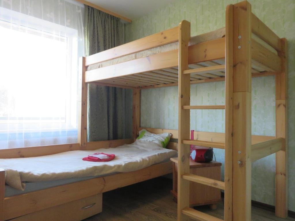 Twin Room with Bunk Beds and Shared Bathroom - Guestroom