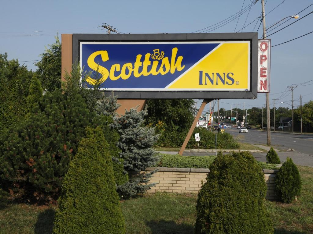 Book Now Scottish Inns Albany (Albany, United States). Rooms Available for all budgets. Close to the airport within walking distance of a mall and on a central artery that leads straight downtown the Scottish Inns Albany is a convenient base for our guests intere