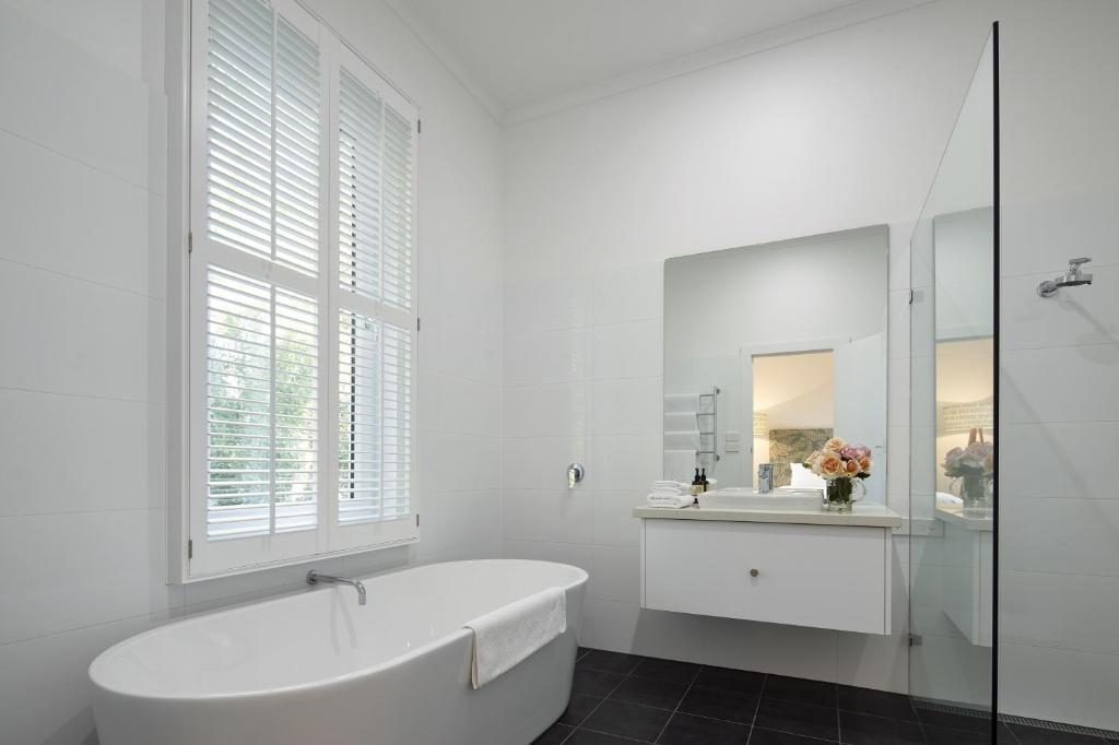 Best Price on The Cottage at Bolobek in Daylesford and