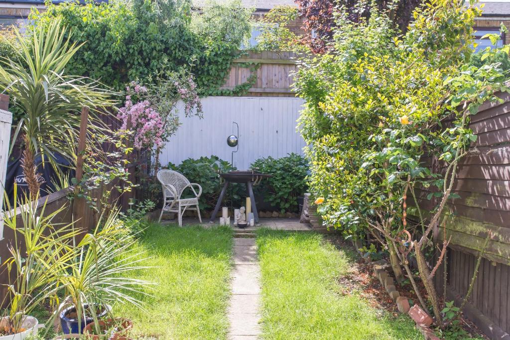 Two Bedroom House in Wandsworth