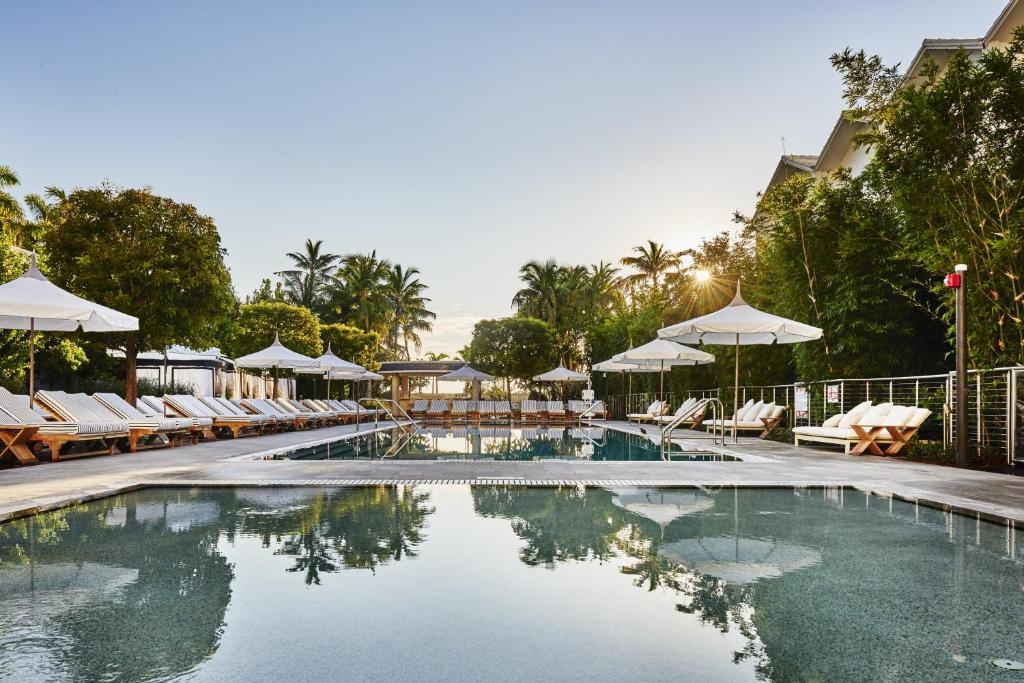 Book Now Nautilus a SIXTY Hotel (Miami Beach, United States). Rooms Available for all budgets. The beach location saltwater pool and on-site spa are a few of the sophisticated perks guests discover at the non-smoking Nautilus a SIXTY Hotel steps from Lincoln Road Mall.