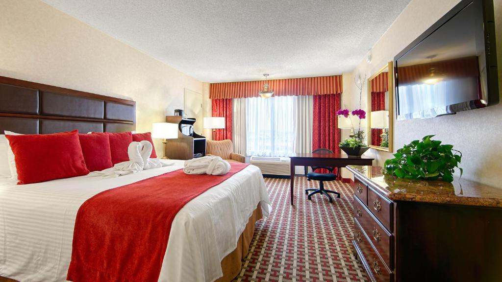 Book Now Best Western Plus Grosvenor Airport Hotel (South San Francisco, United States). Rooms Available for all budgets. Free breakfast and Wi-Fi are some of the perks that make the Best Western Plus Grosvenor Airport Hotel one of the most popular among our guests in South San Francisco. The nin