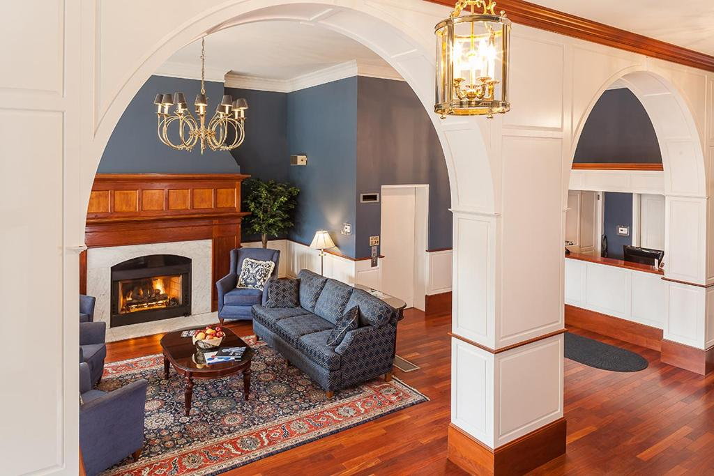 Book Now Best Western Plus Independence Park Hotel (Philadelphia, United States). Rooms Available for all budgets. Free Wi-Fi complimentary breakfast and period furnishings offer our guests added charm to the historic Best Western Plus Independence Park Hotel located a few blocks from wher