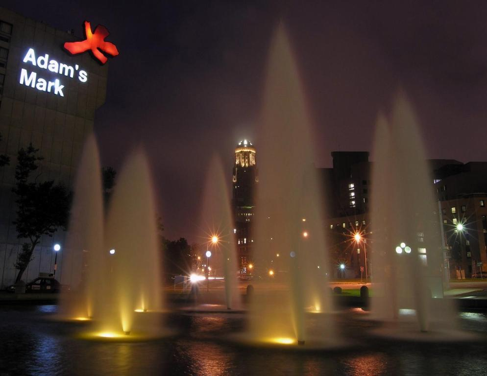 Book Now Adam's Mark Buffalo Niagara (Buffalo, United States). Rooms Available for all budgets. Centrally located in Buffalo's central business district this hotel offers convenient amenities near a wide array of activities within walking distance of the Niagara Conventi