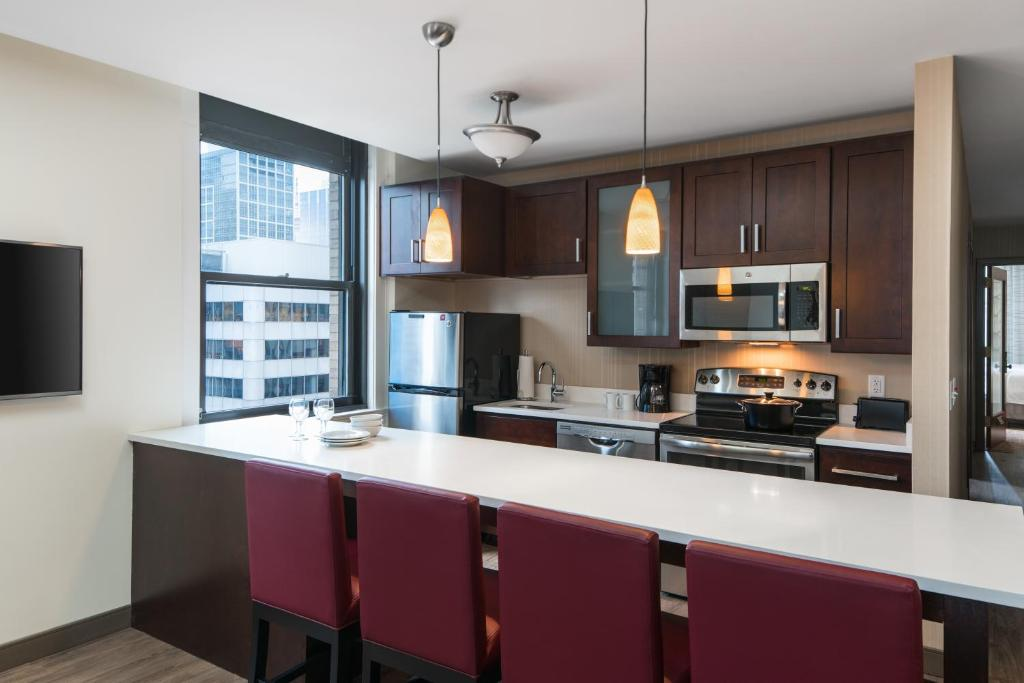 Residence Inn By Marriott Chicago Downtown Loop Hotel Reviews At