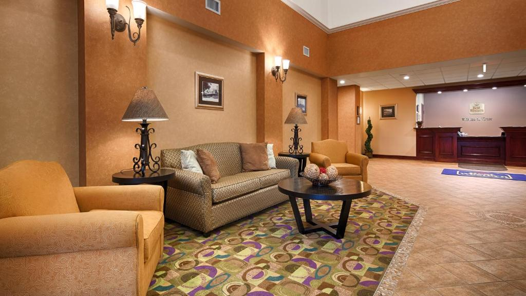 Book Now Best Western Plus Victor Inn & Suites (Victor, United States). Rooms Available for all budgets. A location with easy access to two interstates an indoor pool hot tub and complimentary Wi-Fi are among the amenities our guests enjoy at the Best Western Plus Victor Inn & Su