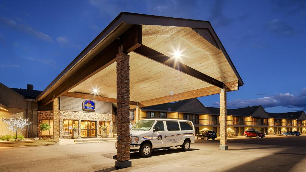 Book Now Best Western Plus NorWester Hotel & Conference Centre (Thunder Bay, Canada). Rooms Available for all budgets. An indoor pool and hot tub on-site restaurant and free Wi-Fi await our guests at the non-smoking Best Western Plus Nor'Wester Hotel & Conference Centre. The two-story hotel ha