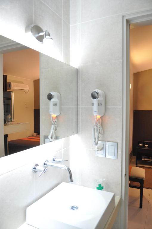 Superior Twin Room - Bathroom