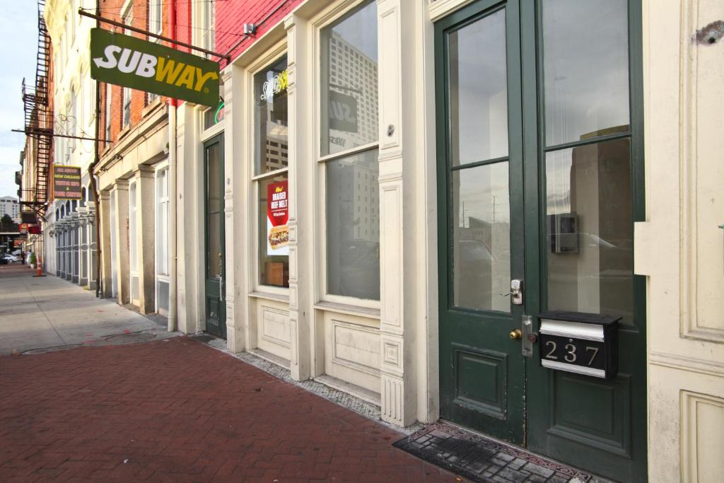 French Quarter Luxury Suite 202 Formerly Hosteeva One Bedroom 202 Apartment Near Bourbon
